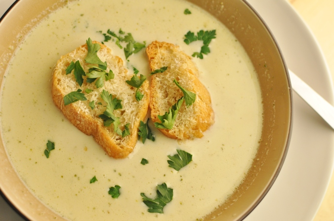Roasted Cauliflower and Cheddar Soup with Garlic Parmesan Croutons ...
